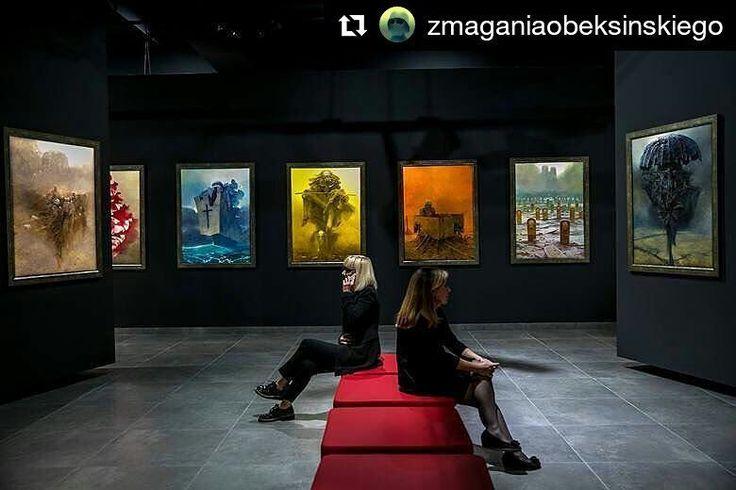 Tak. #Beksiński #beksińskiNCK #zdzislawbeksinski  Via  @zmaganiaobeksinskiego  Galeria Zdzisława Beksińskiego w @ncknh w Krakowie to od wczoraj kolejna po Sanoku i Częstochowie stała ekspozycja niezwykłych dzieł Mistrza w Polsce! Musicie to zobaczyć! ______ Gallery of Zdzislaw Beksinski in Nowa Huta Cultural Centre Cracow is a new and permanent (!) gallery of Master's works in Poland. Absolutely must see :) Fot. Anna Kaczmarz / Gazeta Krakowska #beksinskiNCK #beksinski #zdzislawbeksinski…