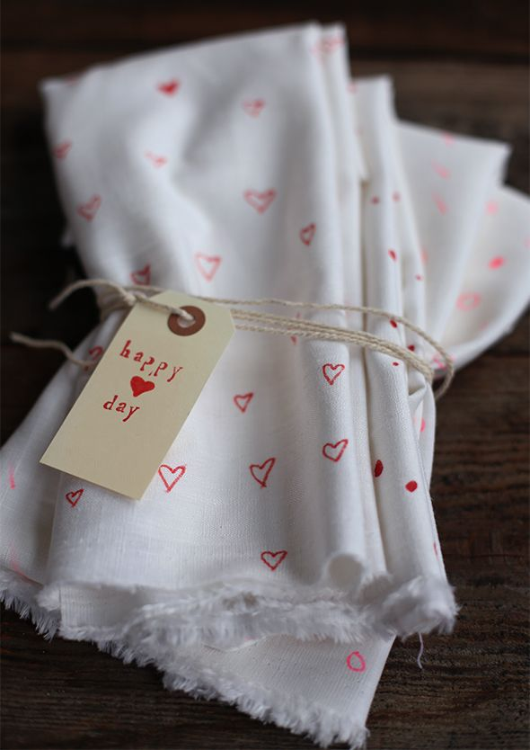 DIY VALENTINES DAY DECORATED TEA CLOTHS
