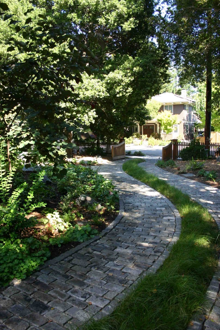 Pretty driveway home ideas pinterest driveways for Cape cod stone and gravel