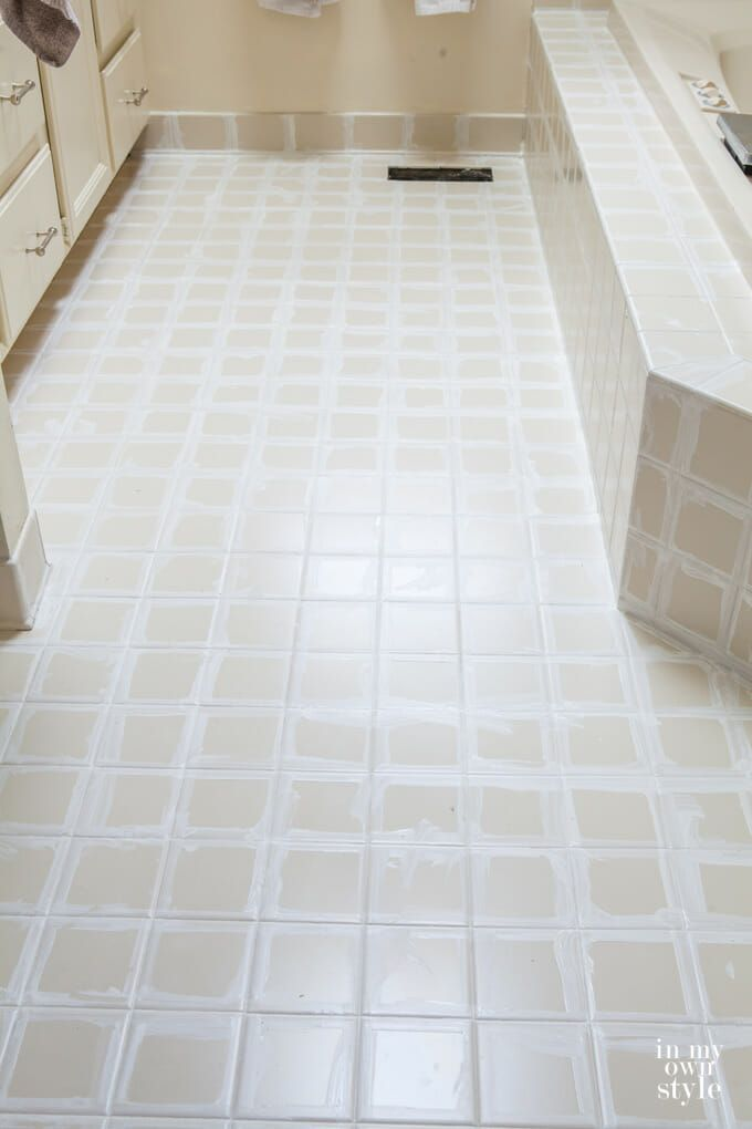 The Fast Easy Way To Whiten Tile Grout Tile Grout Grout Cleaning Diy Cleaning Bathroom Tiles
