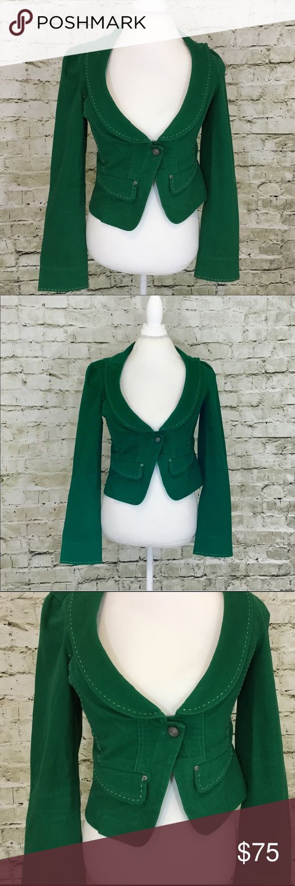 💕Armani Exchange Green Denim Blazer Fitted green denim blazer by Armani Exchange with fabulous detailing throughout. 99% Cotton, 1% Spandex. No stains, tears... it's in great condition. Armani Exchange Jackets & Coats Jean Jackets