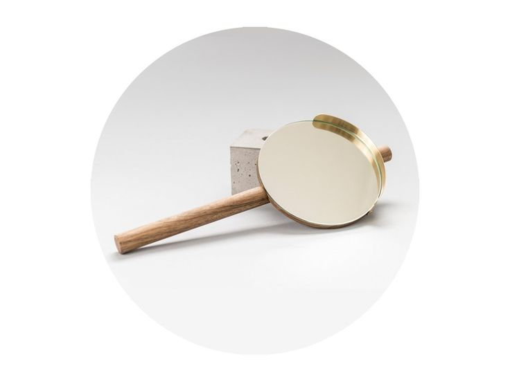 Zrkadlo STREET preberá tvaroslovie  dopravných zrkadiel, ktoré štylizuje do podoby interiérového produktu v zmenšenom prevedení. Produkt sa tak môže stať súčasťou kúpeľne toalety alebo spálne.