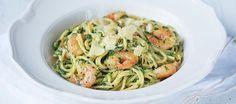 Spaghetti met spinazie en garnalen            Hoofdgerecht  25 min  2 personen  ** Pasta in een romige saus van spinazie met gebakken garnalen     Ingrediënten 150 gr spinazie (ontdooid) 1 ui 1 teentj