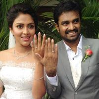 Actress Amala Paul and Director Vijay got engaged -  Actress Amala Paul and Director Vijay's engagement was held on yesterday evening at a church in Cochin. The engagement was held at 4 pm at Aluva, Cohin and both the couples exchanged the rings...  Read More: http://www.kalakkalcinema.com/tamil_news_detail.php?id=6989&title=Actress_Amala_Paul_and_Director_Vijay_got_engaged