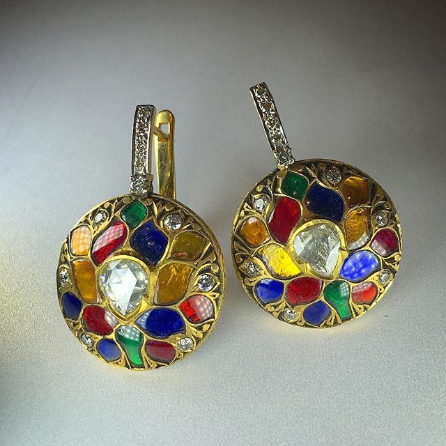 Navrattan enamel earrings by @amrapalijewels #thisiscouture #couture2016 #colorful