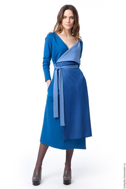 Купить или заказать Платье/Платье на запах/Платье MODAMODULE в интернет-магазине на Ярмарке Мастеров. Платье на запах из новой коллекции MODAMODULE! Эффектная, современная, женственная и сексуальная! Это ВЫ в этом платье) Платье сшито из натурального джерси. Приятного и мягкого к телу. Платье сшито из двух цветов джерси и сетки ( тренд этого сезона) __________ Добавляйтесь в круг и следите за новинками!…