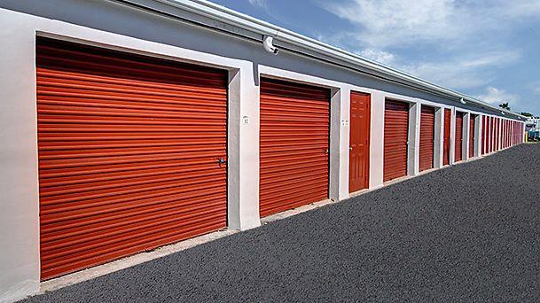 Self Storage Units In Uk Best Storage Services Near You Self Storage Units Self Storage Storage Unit