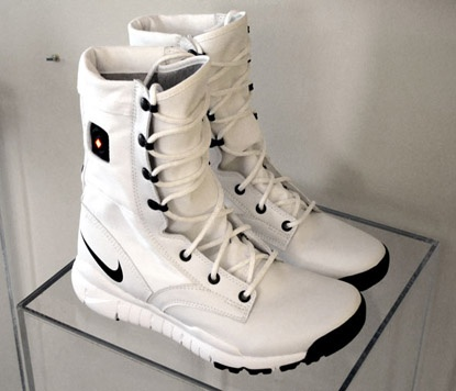 Nike SFB Heaters: Made for the winter Olympics in Vancouver, these battery powered boots featured a red maple on off switch. I could definitely use a pair of these now!