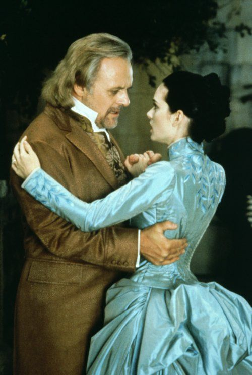 Van Helsing and Mina (in the ice blue dress)