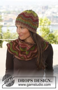 Knitted DROPS hat and neck warmer with wavy pattern - Lana Gatto Tamigi