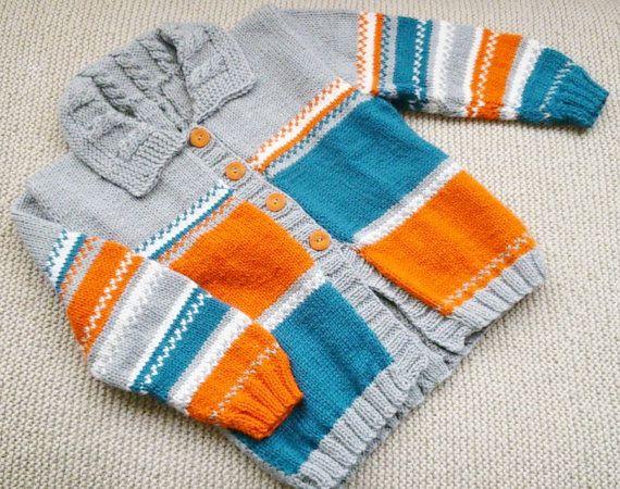 Suéter tejido a mano color azul claro por JuliettesKnittings