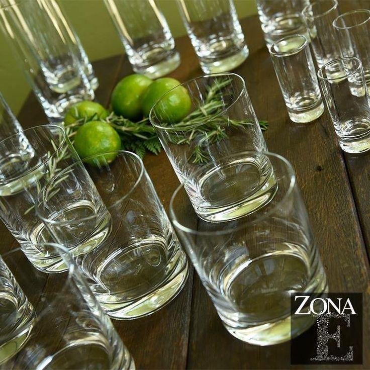 Para clientes #ZonaE estamos obsequiando nuestra vajilla exclusiva, siempre y cuando alquiles la cristalería y los cubiertos. Una oportunidad para aquellas personas que ¡siempre quieren lo mejor!  Llama al 3106158616 / 3206750352 / 3106159806 y reserva desde ya, atendemos  todos los días de la semana y fines de semana incluido festivos.  #zonae #casabali #ZonaELlanogrande #boda #BodasAlAireLibre #BodasCampestres #Eventos #weddingplaner #weddingplanning #weddingtips