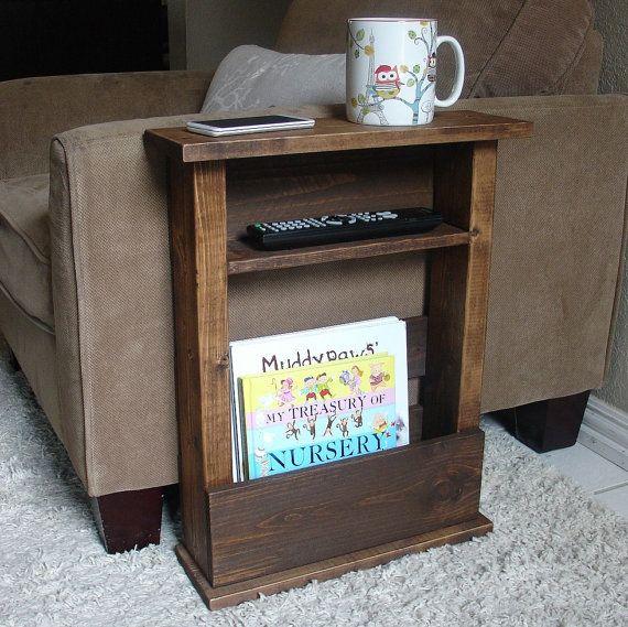 Sofá silla brazo resto de mesa con estante y bolsillo de almacenamiento para computadoras portátiles de revistas por KeoDecor
