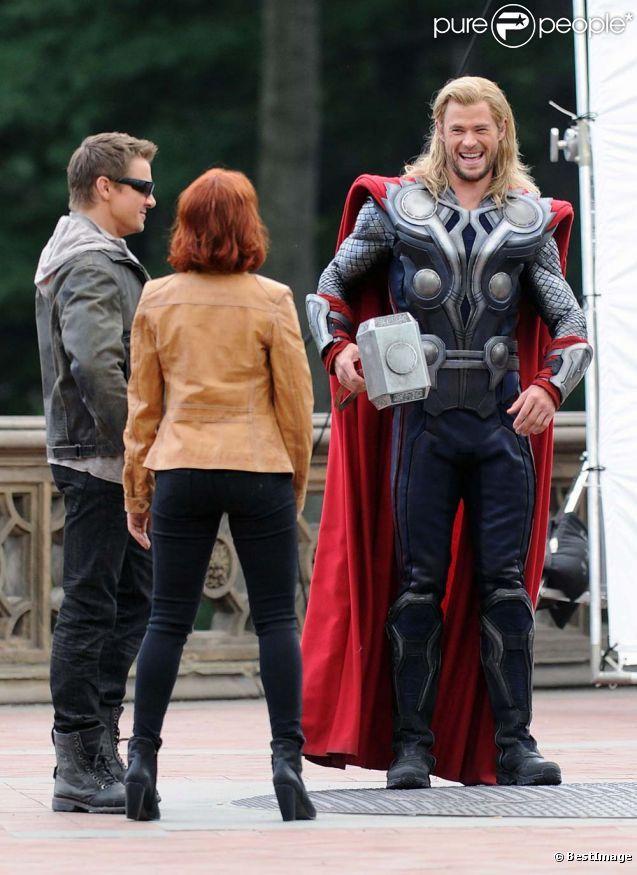 scarlett johansson the avengers  | Scarlett Johansson et Chris Hemsworth sur le tournage de The Avengers ...