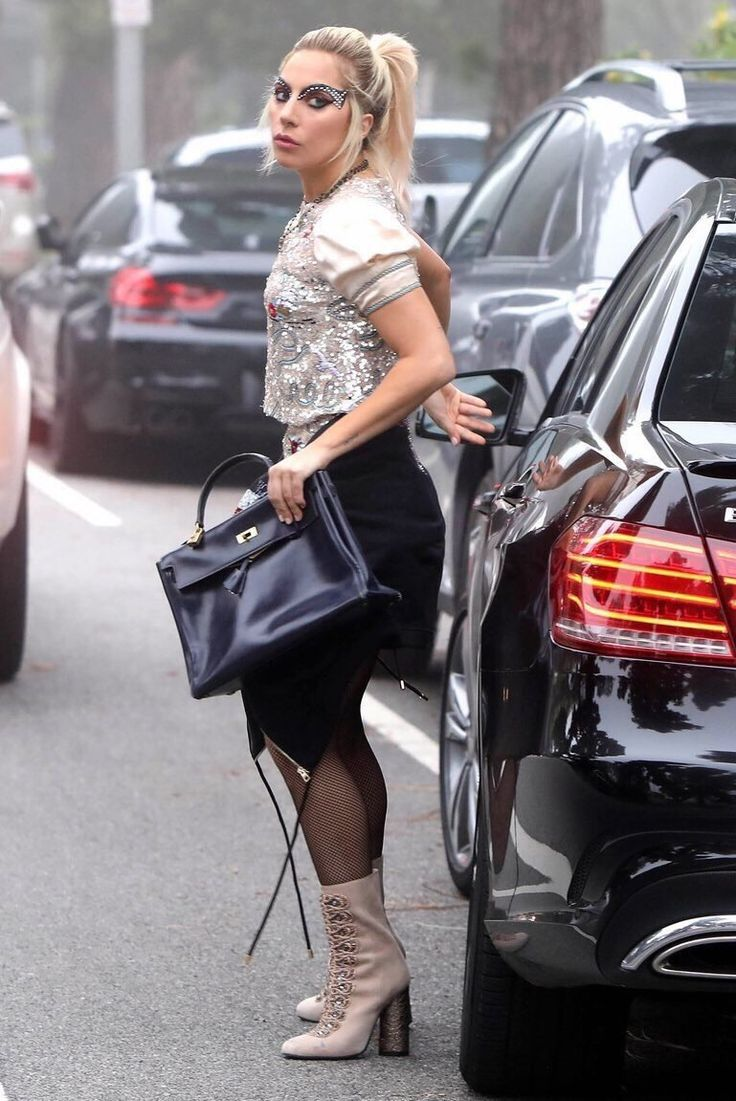 You know you're a carspotter when you see this picture of Lady Gaga and think hey check out that M6 behind her! #carspotting #cars #car #carporn #supercar #carspotter #supercars