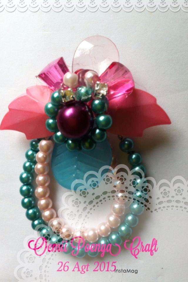 Beads broch