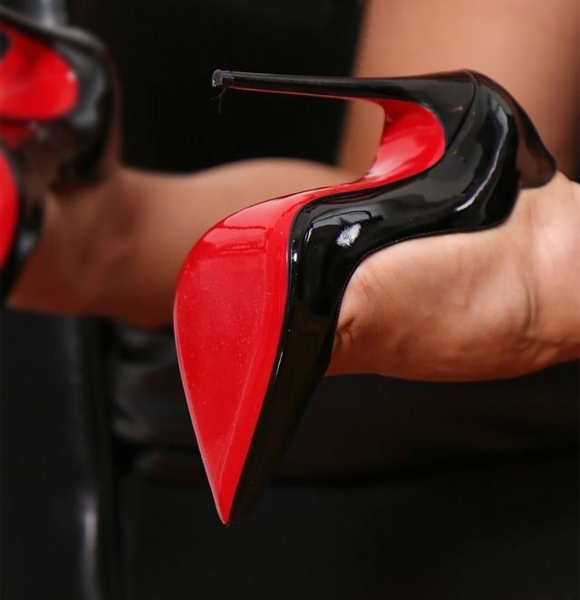 The fantastic Christian Louboutin Hot Chick 130mm in black patent! Red sole!