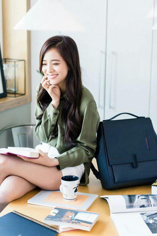 """""""Kim Ji Soo te ha enviado una solicitud de amistad..."""" #fanfic # Fanfic # amreading # books # wattpad"""