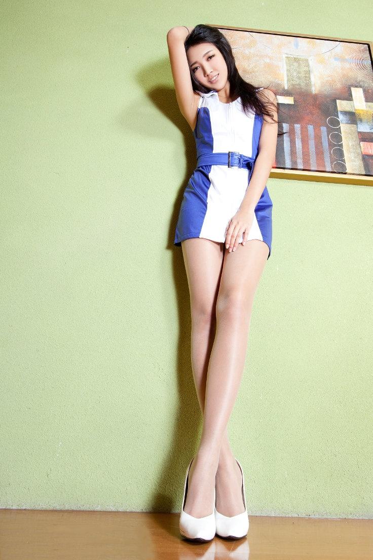 Hot asian girls in short shorts