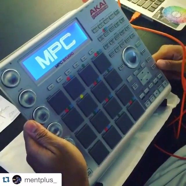 #Repost @mentplus_ ・・・ My MPC studio @Cremacaffeshop K O S M O stand was delivered today and this thing is dope 👍🏾!!! http://cremacaffedesign.com/kosmo/  #music #beats #beatmakers #producers #roland #samplechop #IGBeatClub #sp303 #custom #lofi #8bit #akai #ableton #HWM #HighWaterMusic #StormyNightsEP #MentPlus #sp404 #vinyl #records #loops #cremacaffedesign #kosmostand @akai_pro