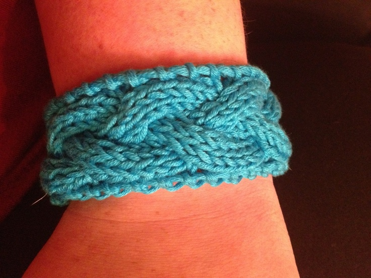 Cable knit bracelet