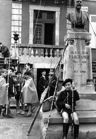 Les petits pechêurs. 1954. Robert Doisneau.