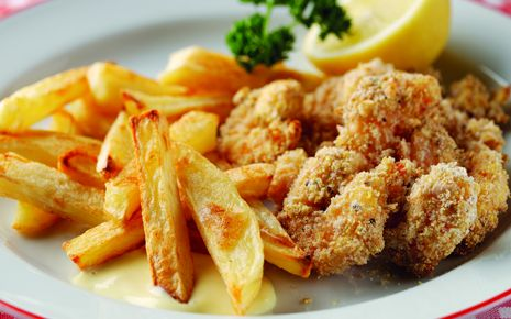 yummy chips. i have only made the chips, i dont like scampi. Sixties Scampi and Chips with Homemade Salad Cream | Chip Week