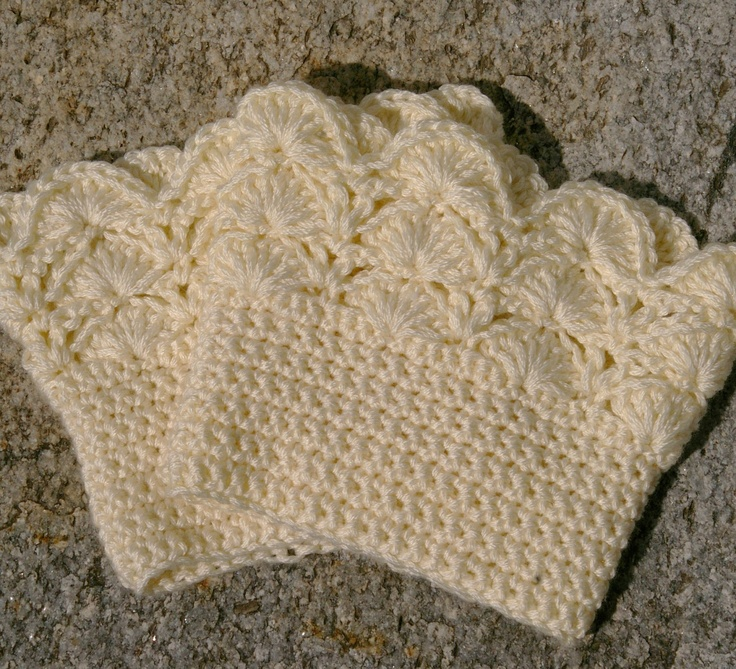 Boot Cuffs in Cream Crochet Boot Toppers.- o I just pinned something that teaches how to do that stitch at the top, and the bottom looks like sc... I bet I can make these if I make the time to make them..