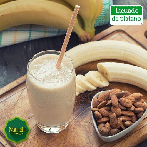 Disfruta un rico licuado de plátano con un toque de almendras. El plátano te dará la energía, además las almendras son ricas en vitamina E, antioxidantes y ácidos grasos omega 3, ¡bebe una combinación muy saludable para este día! Recuerda que mientras más maduro esté el plátano, su sabor será más intenso. ¡Sólo mezcla los siguientes ingredientes y activa tu mañana! Ingredientes: - 1 plátano - ½ vaso de leche de soya - Almendras molidas  ¡Chop, chop, chop!