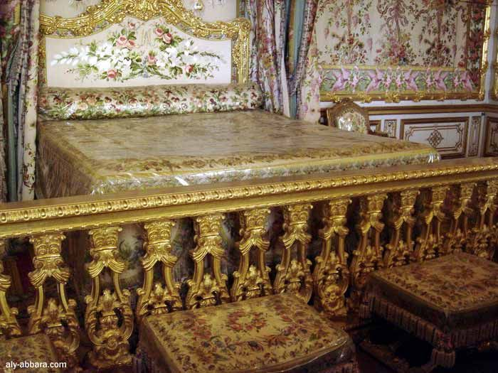 Ch teau de versailles la chambre de la reine le lit de for Chambre louis xvi versailles