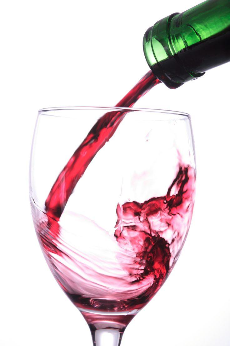 """""""El buen vino es una excelente y jovial criatura de Dios, cuando se hace de él un uso moderado"""". William Shakespeare, Othello"""