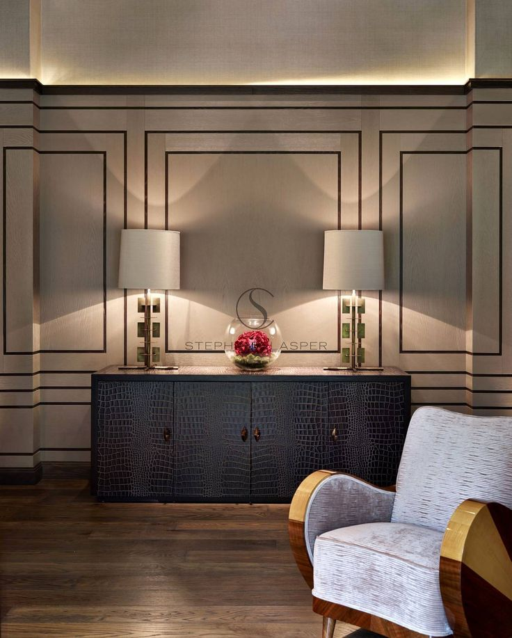 WALL TREATMENT Interior Design: Chobham - Stephen Clasper Interiors #vignette