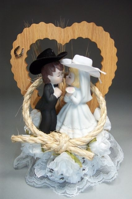 country wedding cake toppers 25 best ideas about cowboy wedding cakes on 3118