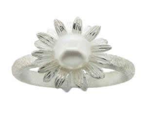 pearl daisy ring
