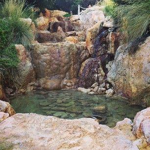 VICTORIA: bathe in the Peninsula Hot Springs