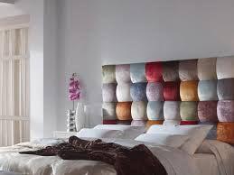 Tête de lit en panneaux couverts de tissu