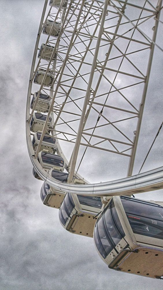 Riesenrad in Scheveningen am Strand. Niederlande Holland
