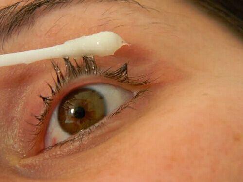 Olej rycynowy: naturalne lekarstwo i kosmetyk