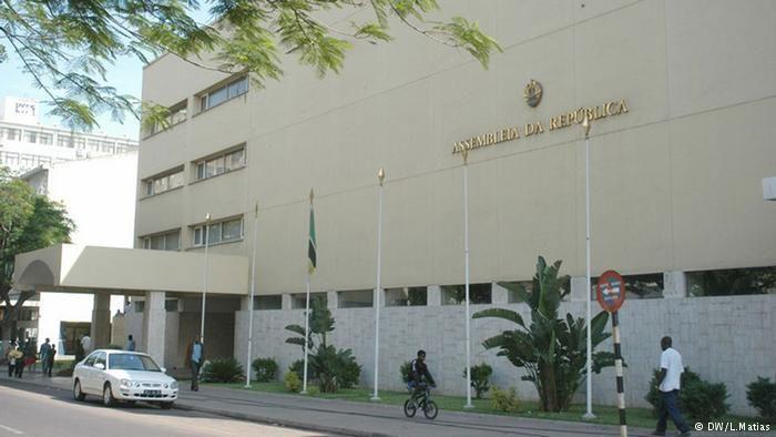 Moçambique: Governo aprova uso de línguas nacionais nas Assembleias Provinciais http://angorussia.com/noticias/mocambique-governo-aprova-uso-de-linguas-nacionais-nas-assembleias-provinciais/