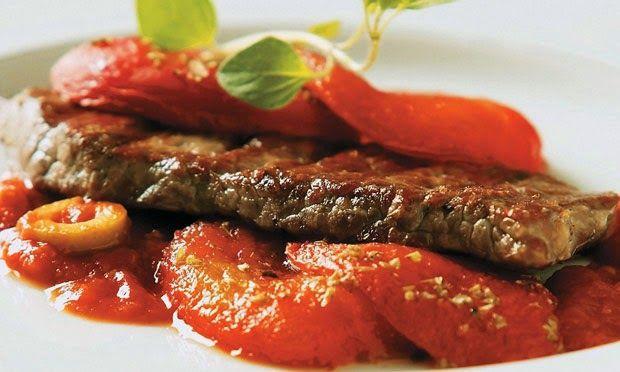 Cansada de fazer sempre a mesma coisa para o jantar? Inove com a receita de Bife Pomodoro. O prato é diferente e o preparo é rápido. Para...