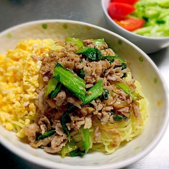 今日はほんとに暑かった… あんまり暑くて、今日のランチは早くも今年初の冷やし中華に✨ 今日は青梗菜と豚肉と玉ねぎの中華炒めと炒り卵をのっけて頂きました - 9件のもぐもぐ - 青梗菜と豚肉の冷やし中華 by zyu7gzp2
