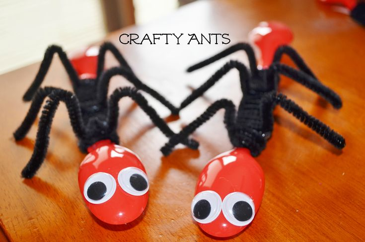 Ant Spoons – Spring Bug Craft for Kids. Can make these with Two Bad Ants after teaching character traits and setting.