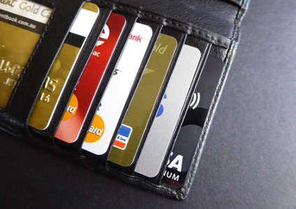 Różnice pomiędzy kartą debetową a kredytową