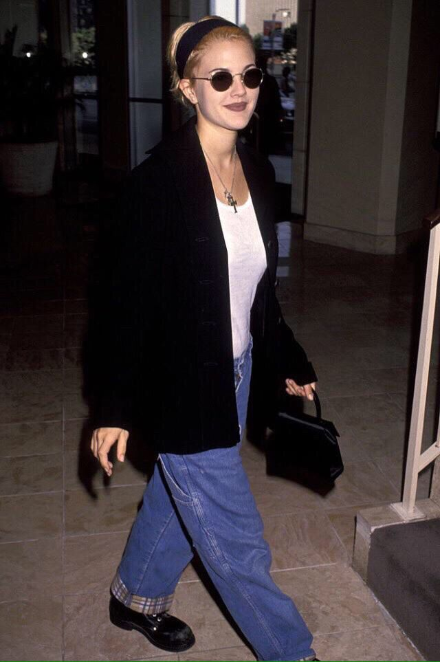 Best 10 Drew Barrymore 90s Ideas On Pinterest 1990s Looks 1990s Fashion Women And 90s