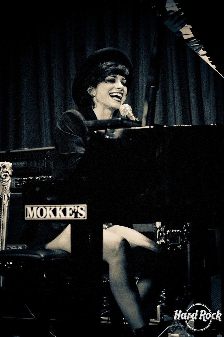 #Dolcenera in concerto @Carlye Hardman Rock Cafe Florence per #Corrilavita #hardrockcafe #hardrockcafeflorence #hardrock #florence #firenze #music #live #concert #hrc #hrcfirenze #hrcflorence #hardrockcafefirenze
