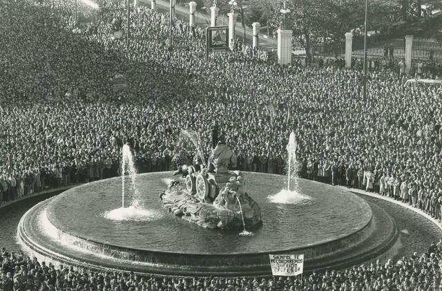 """Efemérides de Madrid.19 de enero. """"1986.- Fallece en Madrid el alcalde Enrique Tierno Galván""""."""