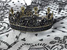 Parures et bijoux des musées nationaux de Malmaison et du palais de Compiègne, notice - Diadème de deuil la reine Hortense