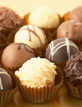 Different Types of Wedding Dessert Bars  Buy bulk chocs, Oreos, coloured sweets, macaroons.