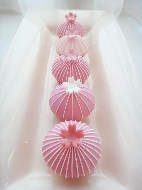 Sakura Cherry Blossom Mini Cupcakes|桜のミニカップケーキ.