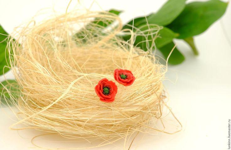 Купить Маленькие серьги пуссеты красные маки - ярко-красный, красный цвет, красный мак